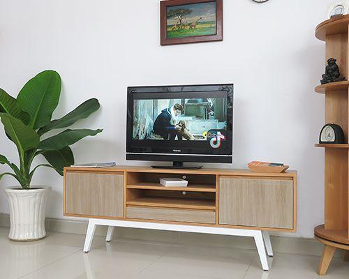 kệ tivi phong cách retro rất thích hợp cho không gian hiện đại đẹp không thể bỏ qua sức húc của nó kích thước dài 1.6m